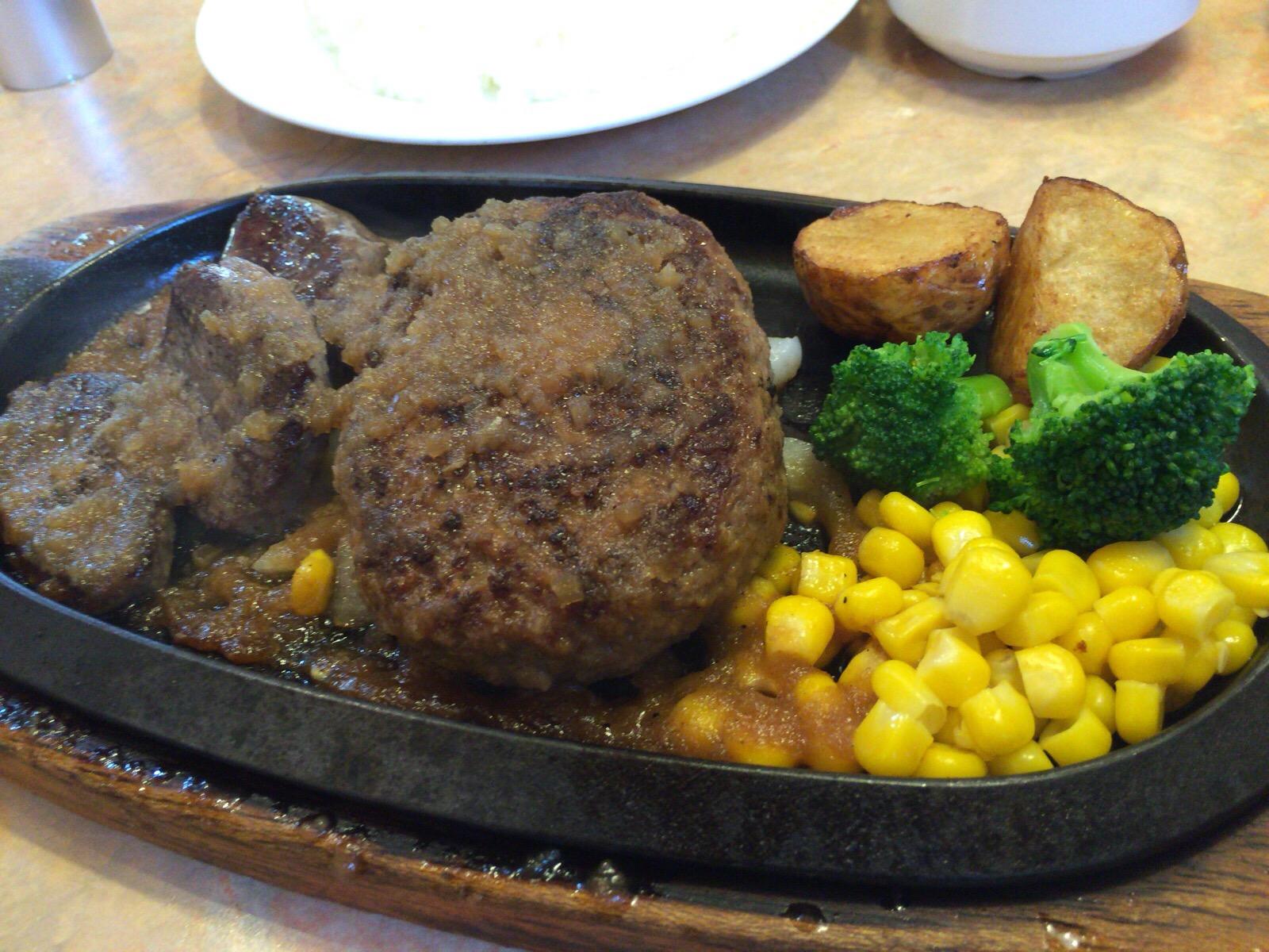 【印西】フライングガーデンの爆弾ハンバーグは肉肉しい
